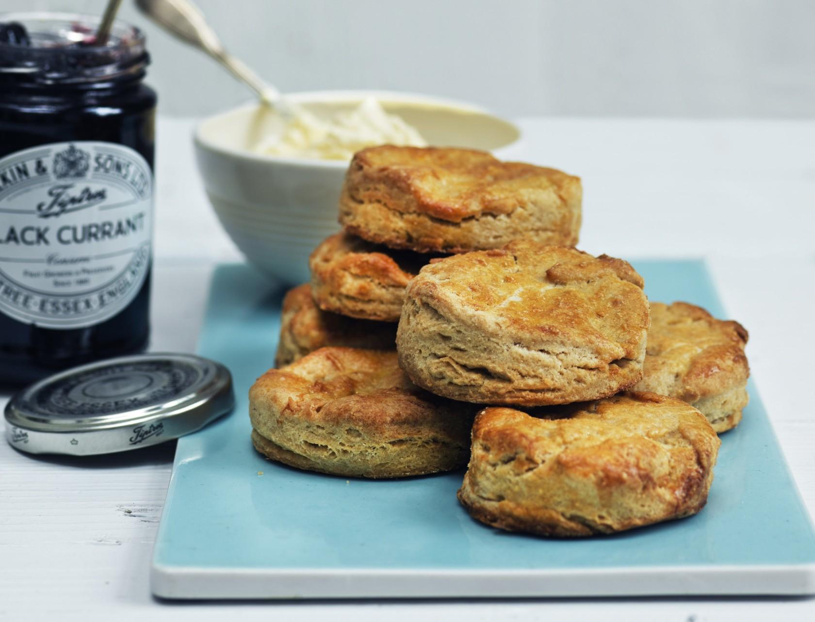 Lune scones - god opskrift på engelske søde boller.