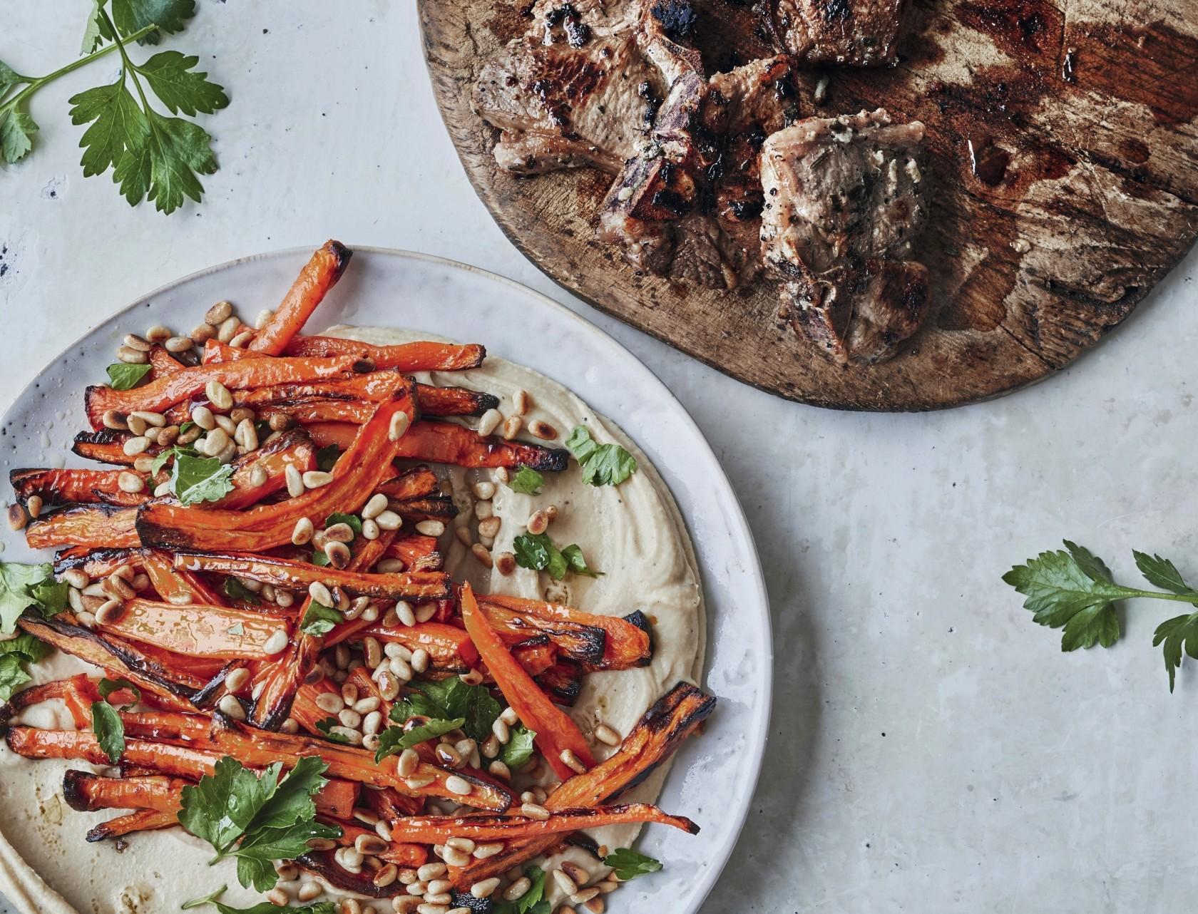 Lammekoteletter med dip og ristet gulerodssalat - virkelig god opskrift!