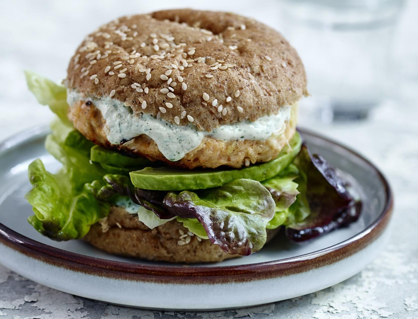 Burger med lakse - nem og lækker opskrift