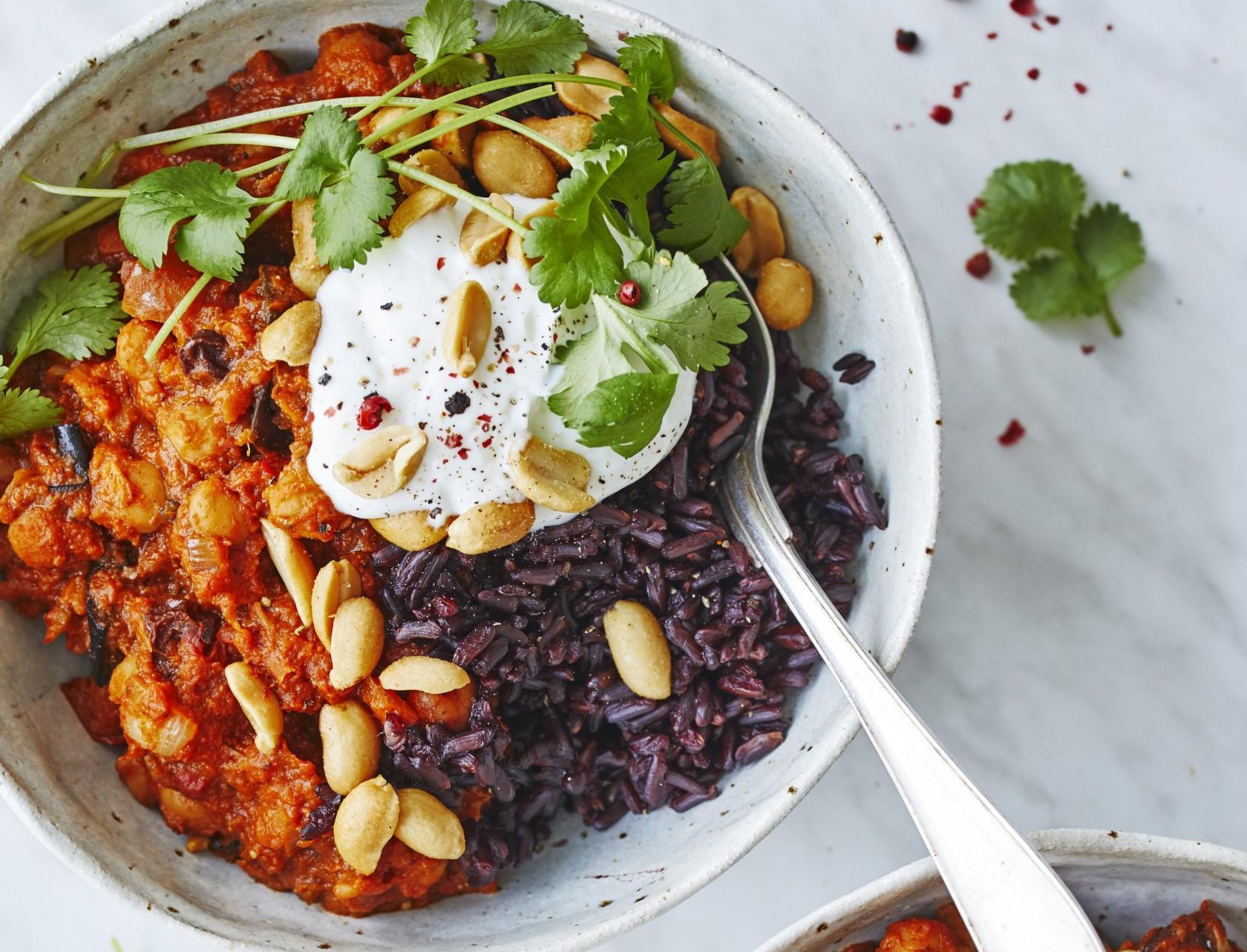 Vegetarisk curry med aubergine og søde kartofler - virkelig lækker opskrift!