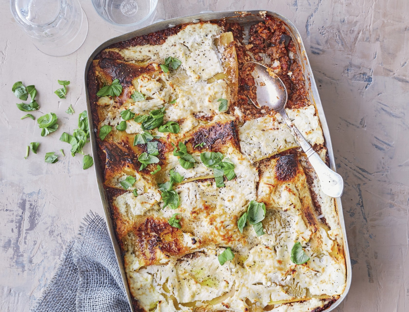 Vegetarlasagne med quinoa - den bedste opskrift på lasagne uden kød!
