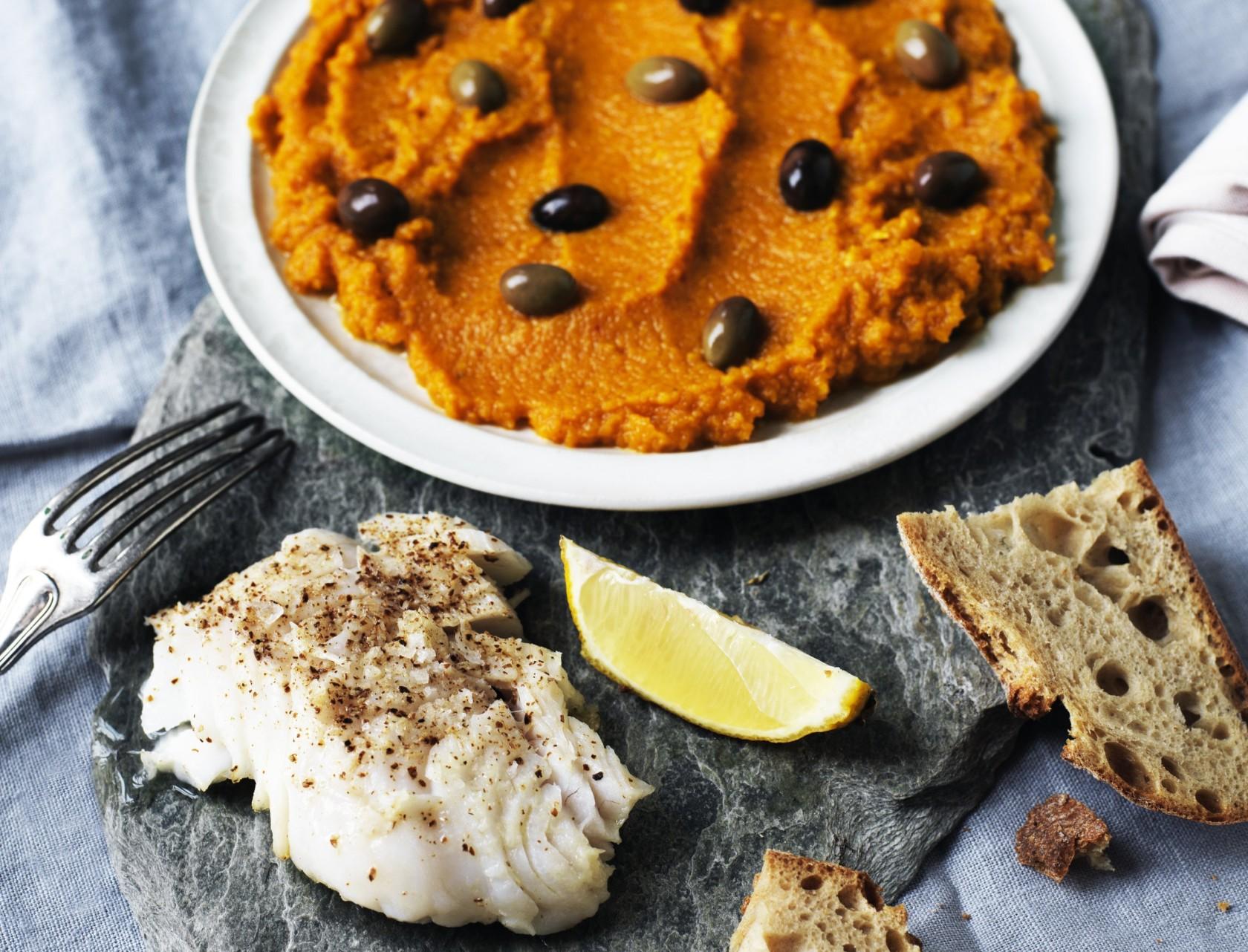 Bagt torsk med gulerodsmos - lækker opskrift på hverdagsmad!