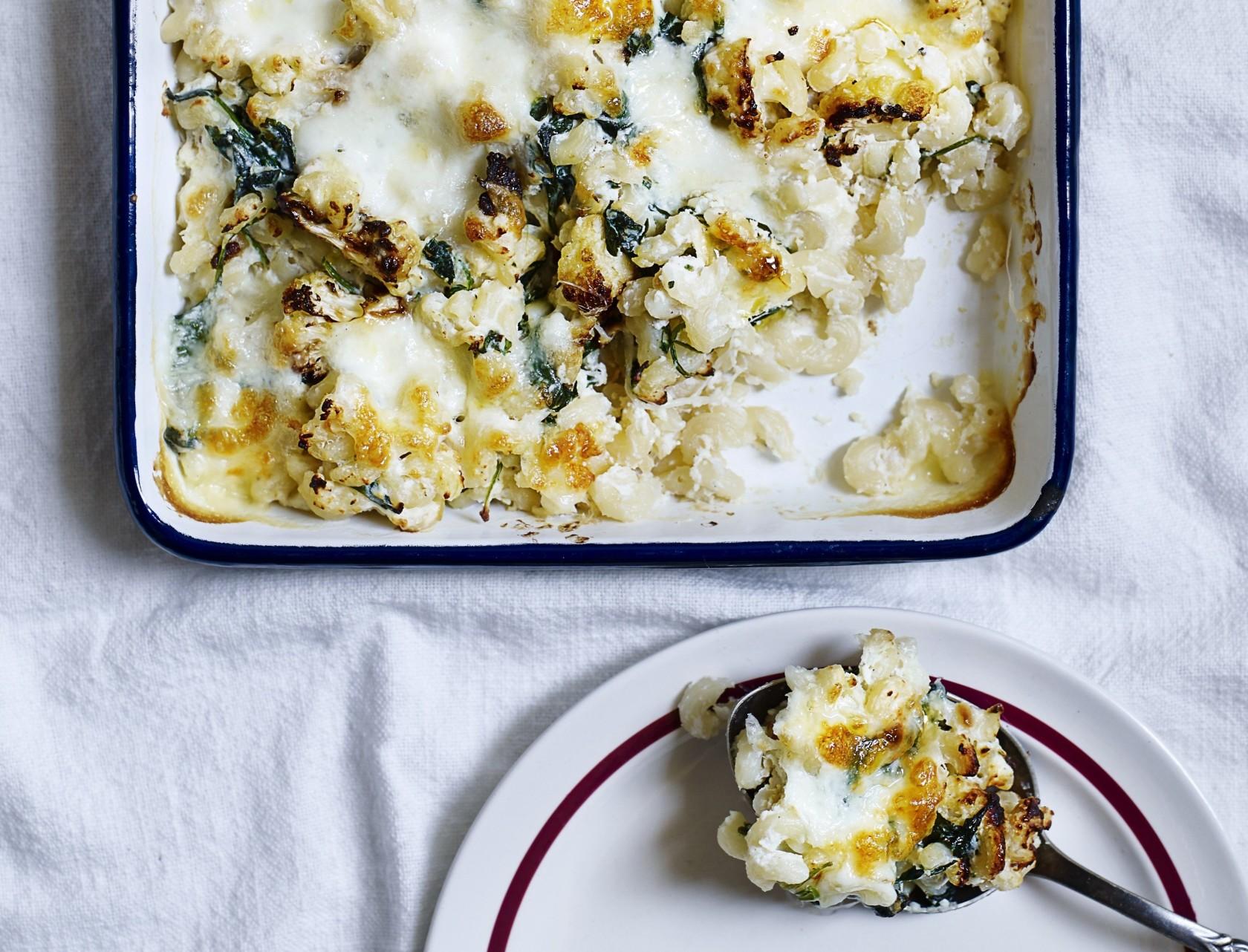 Mac'n'cheese med blomkål - lækker opskrift på en sundere udgave af den klassiske ret.