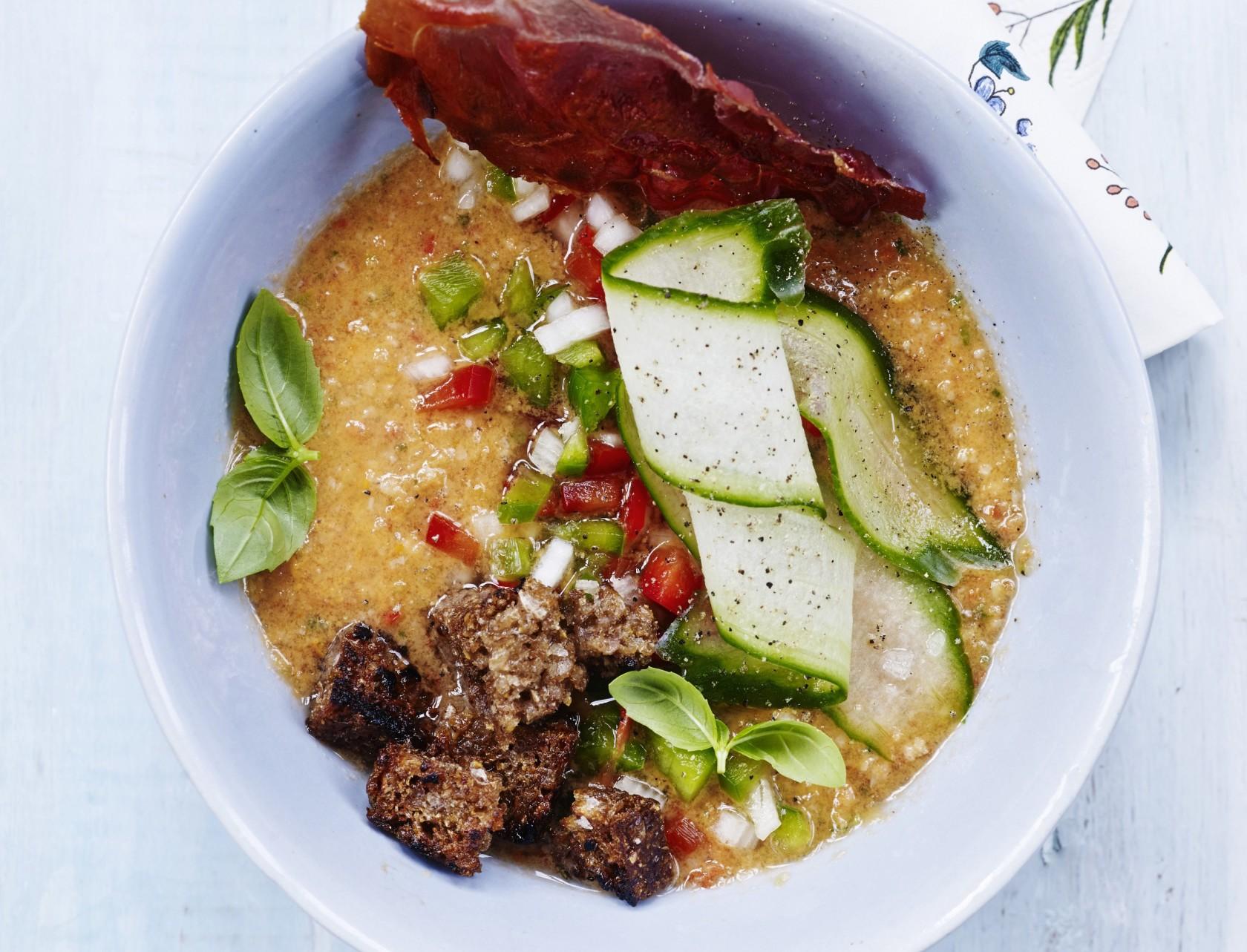 Gazpacho med rugbrødscroutoner - virkelig lækker opskrift