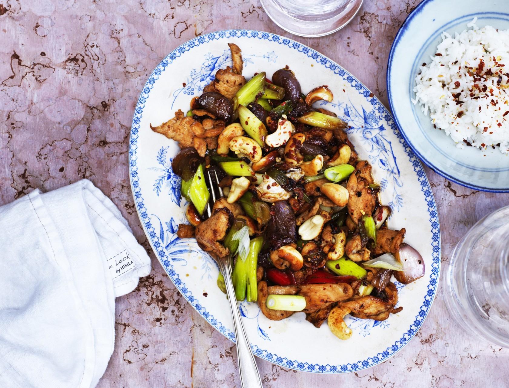 Thai-kylling med cashewnødder - nem og lækker opskrift.