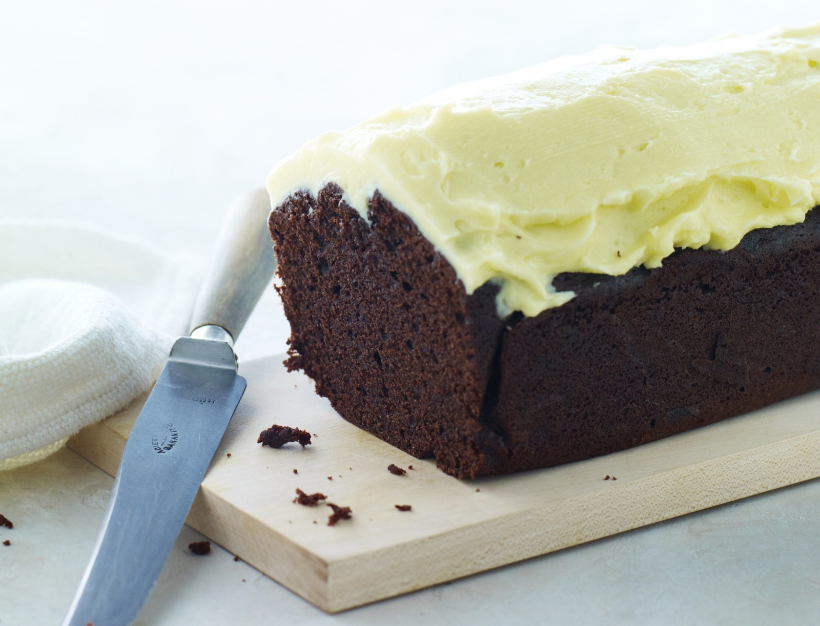 Chokoladekage med smørcreme - den bedste opskrift!