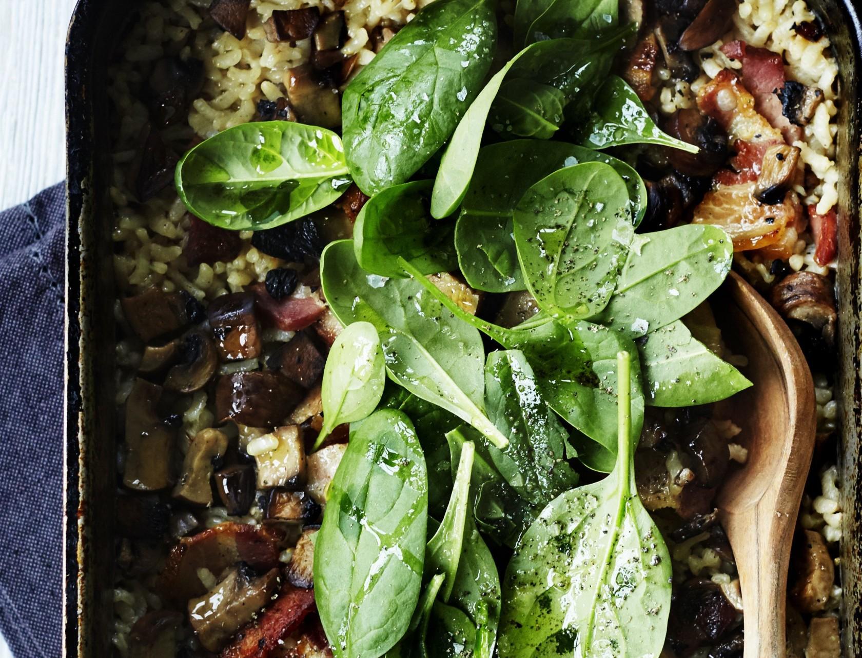 Bagt risotto med svampe og bacon - nem og lækker opskrift!