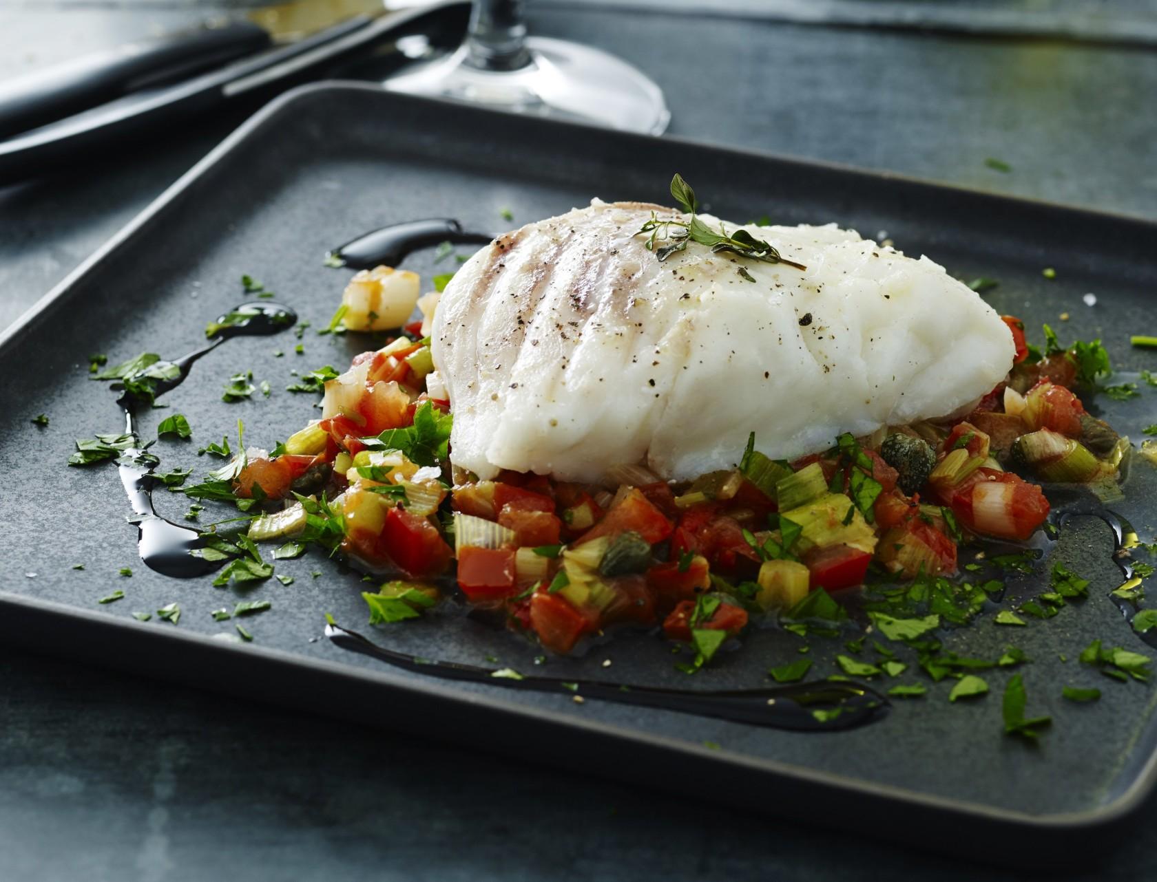 Bagt torsk med lækkert tilbehør - nem og lækker opskrift!