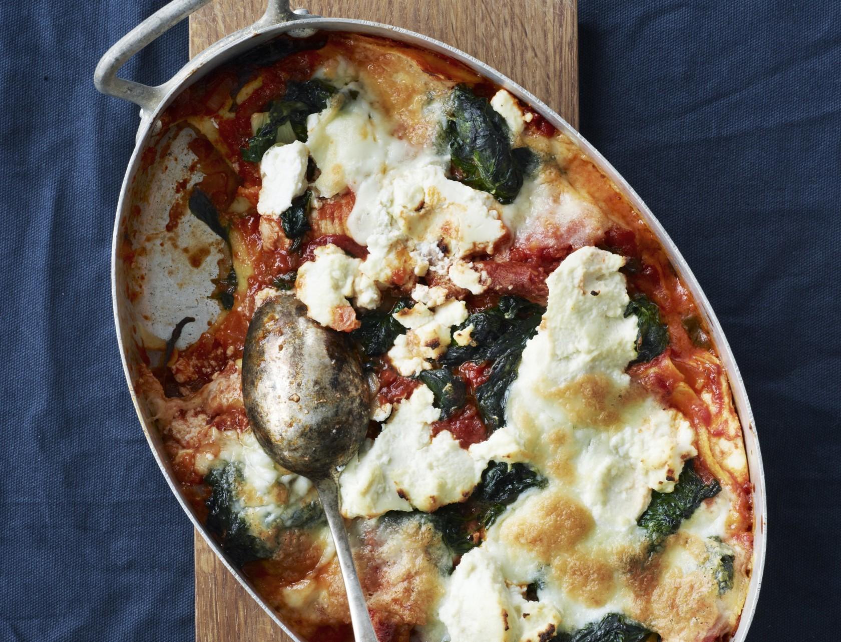 Lasagne med spinat, ricotta og svinekød