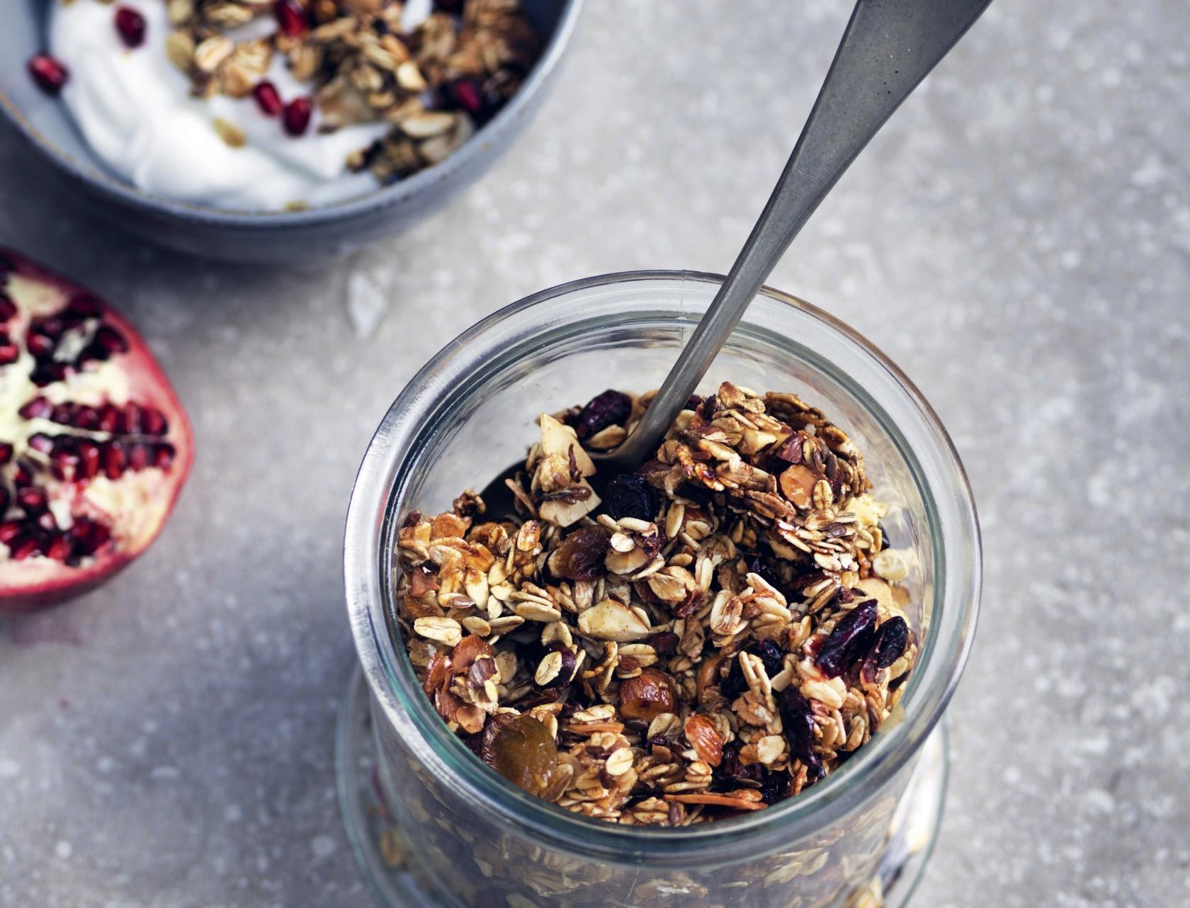 Hjemmelavet granola - nem og lækker opskrift