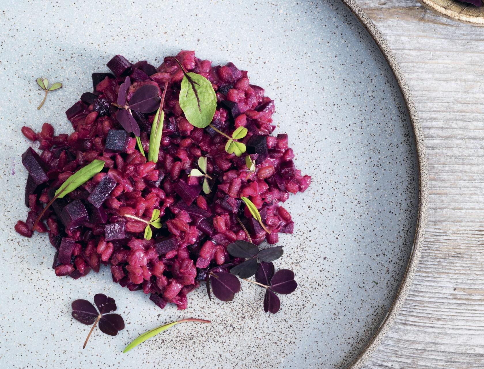 Bygotto med rødbeder - lækker opskrift på farverig risotto.