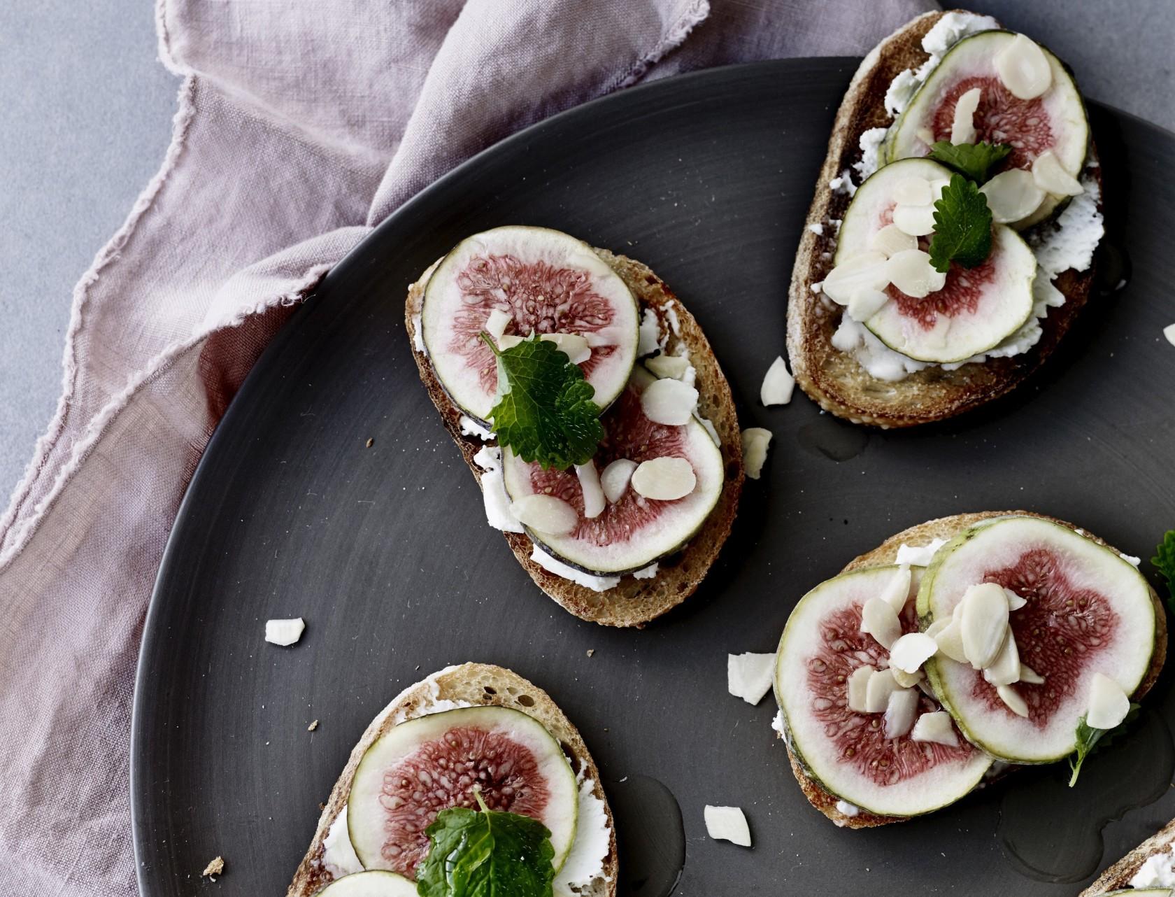Bruschetta med figen og mascarpone