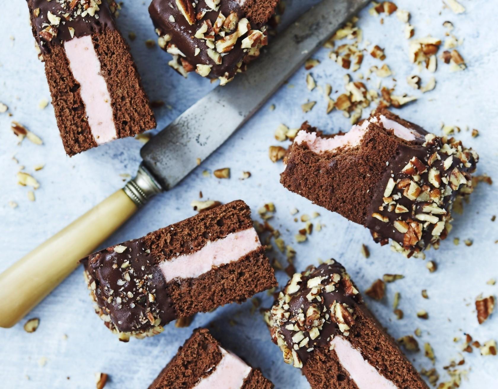 De lækreste issandwich med jordbæris og chokolade!