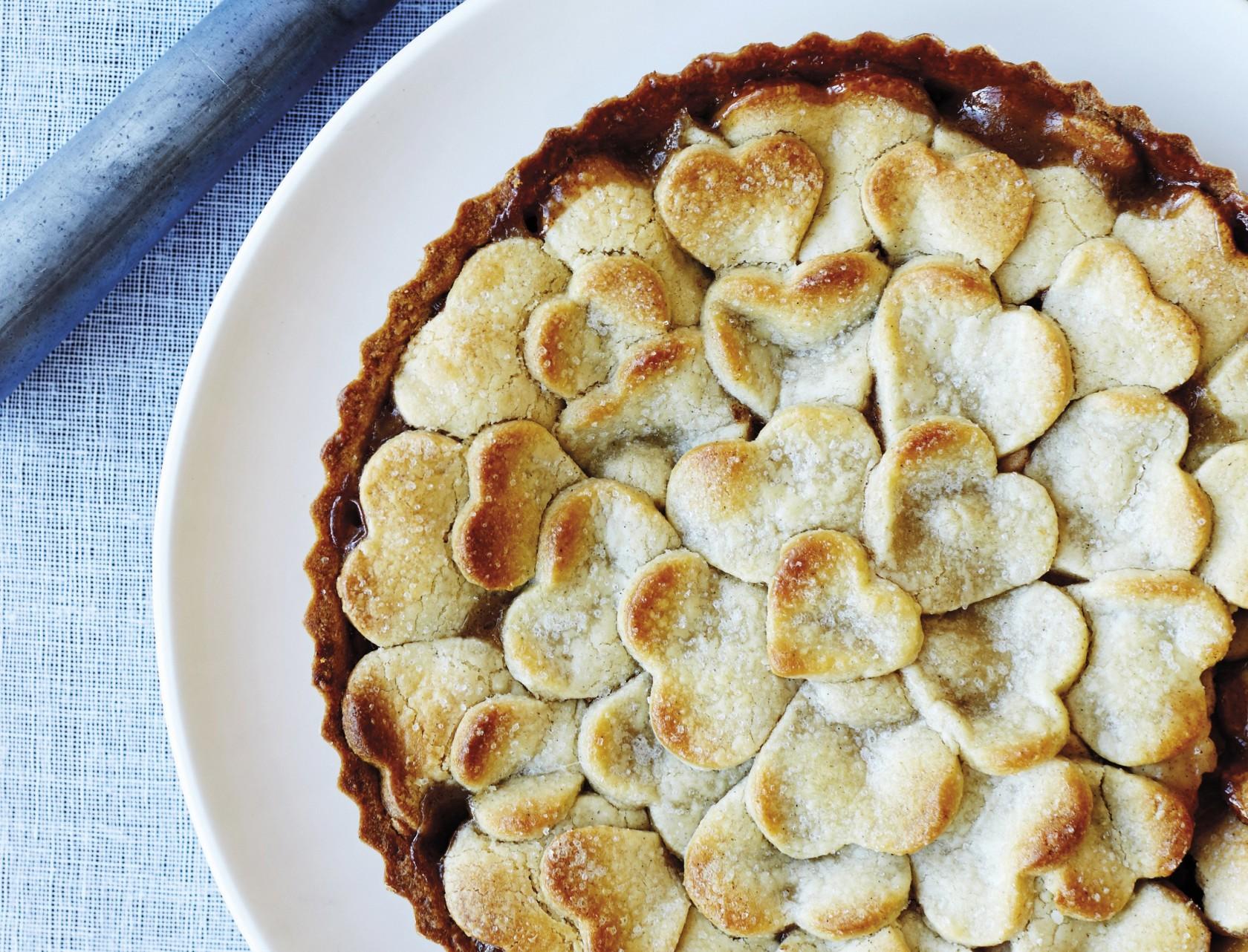 Fantastisk æbletærte med låg af små fine hjerter.