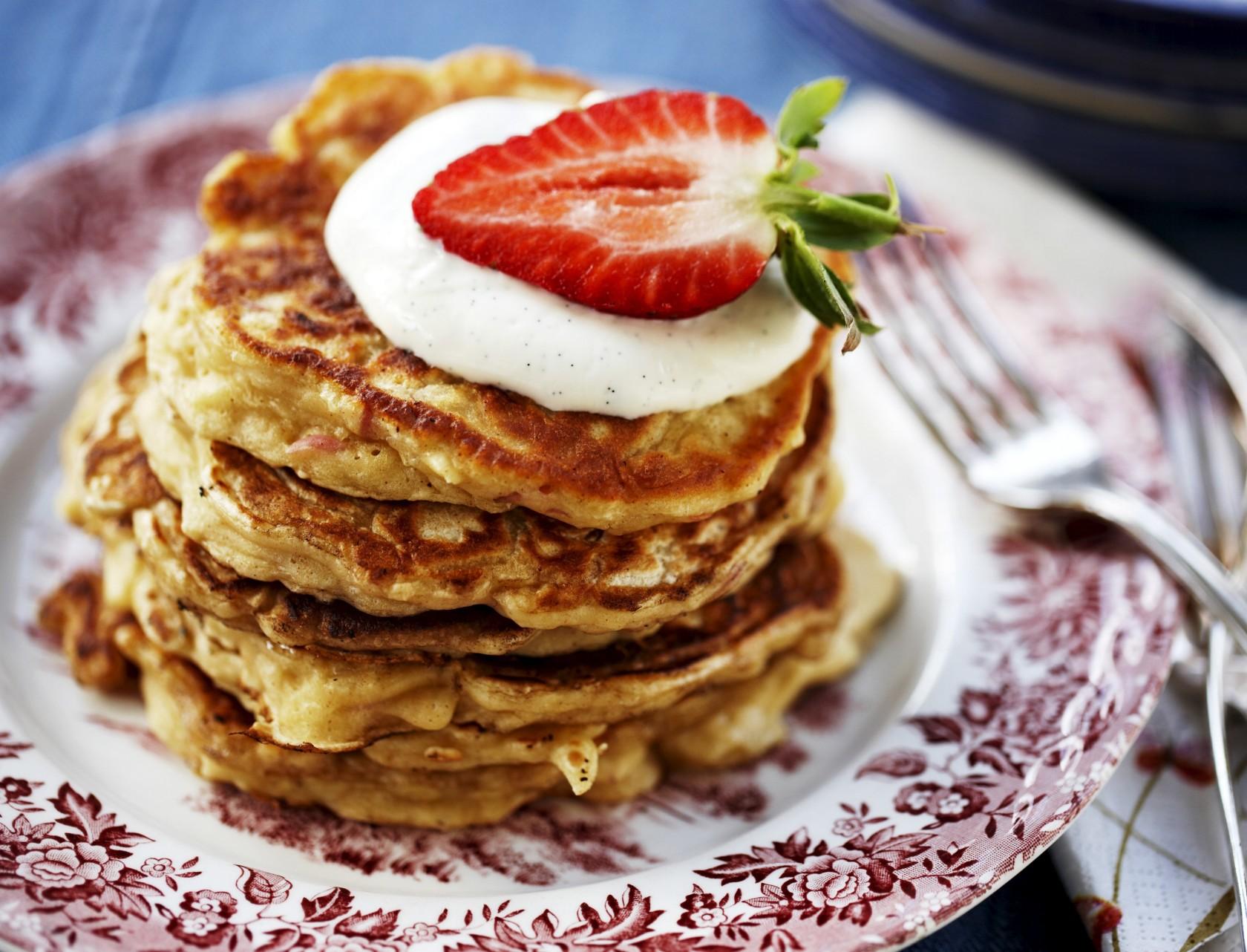 Små lækre pandekager med vaniljecreme. Mums!