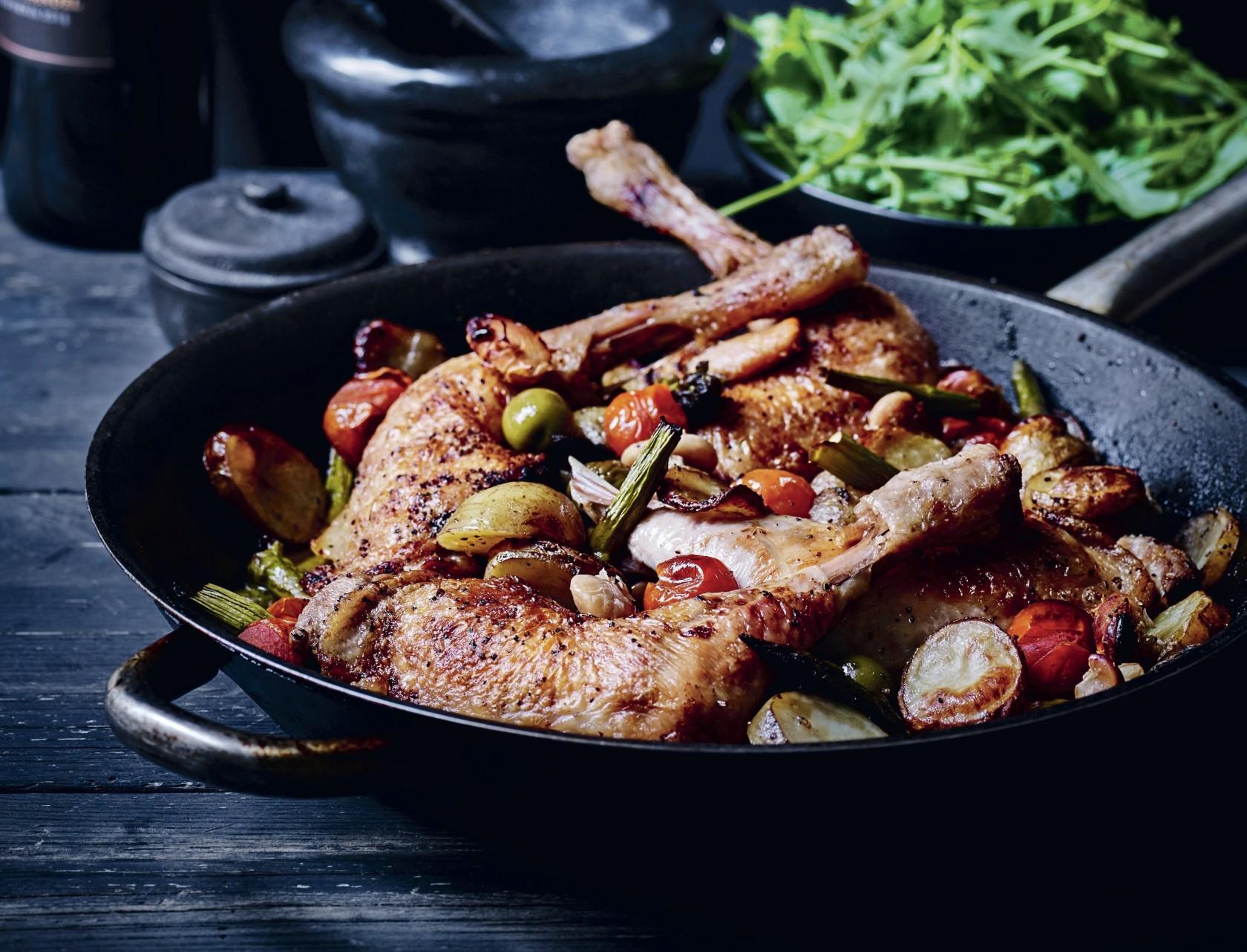 Kylling i ovn med kartofler og grøntsager