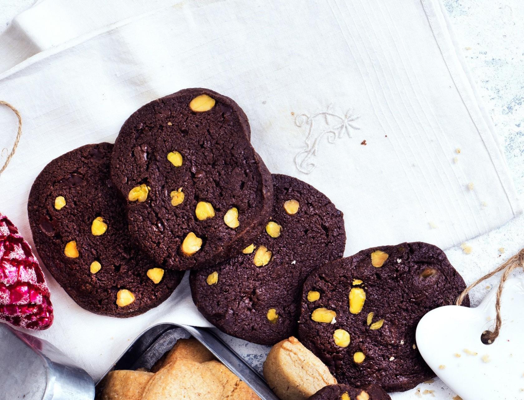 Chokoladespecier med nødder