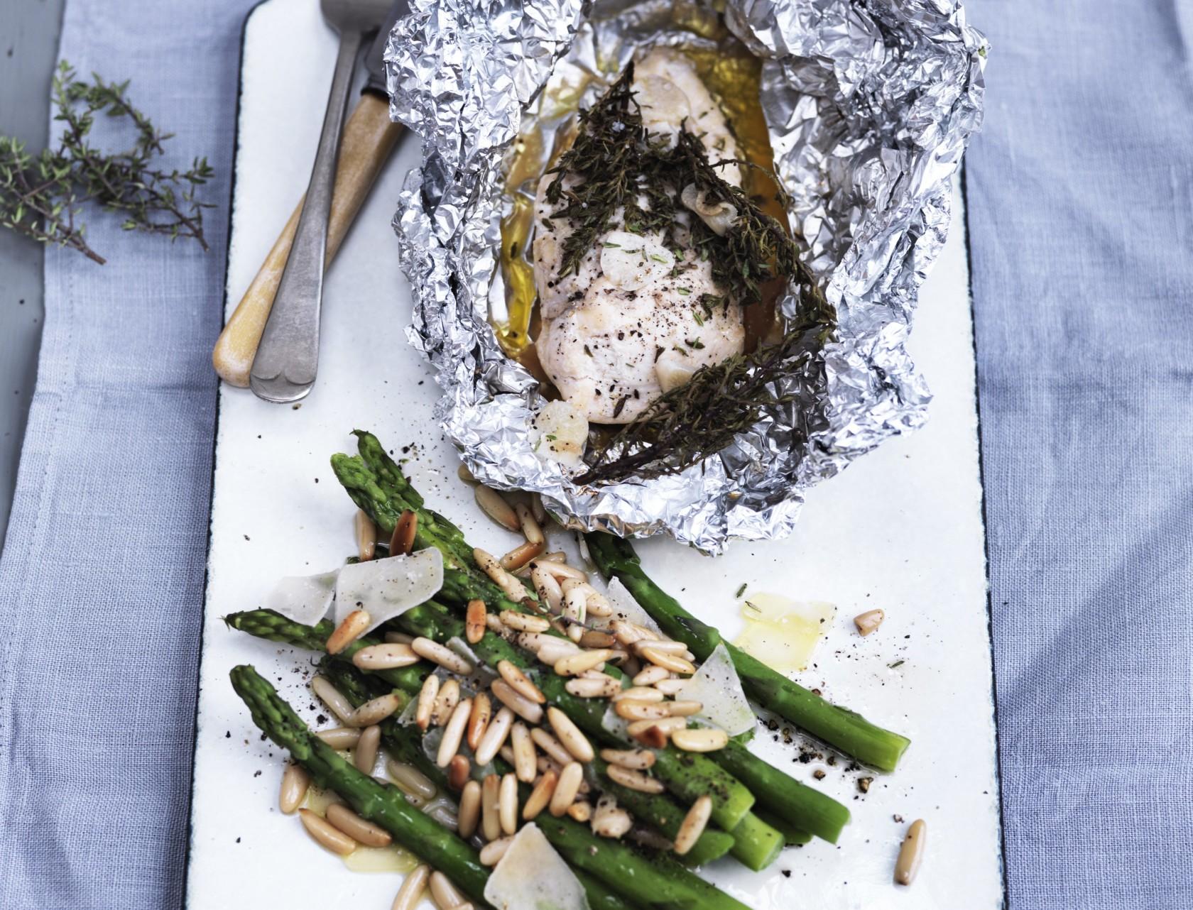 Kylling med asparges - lækker sommeropskrift.