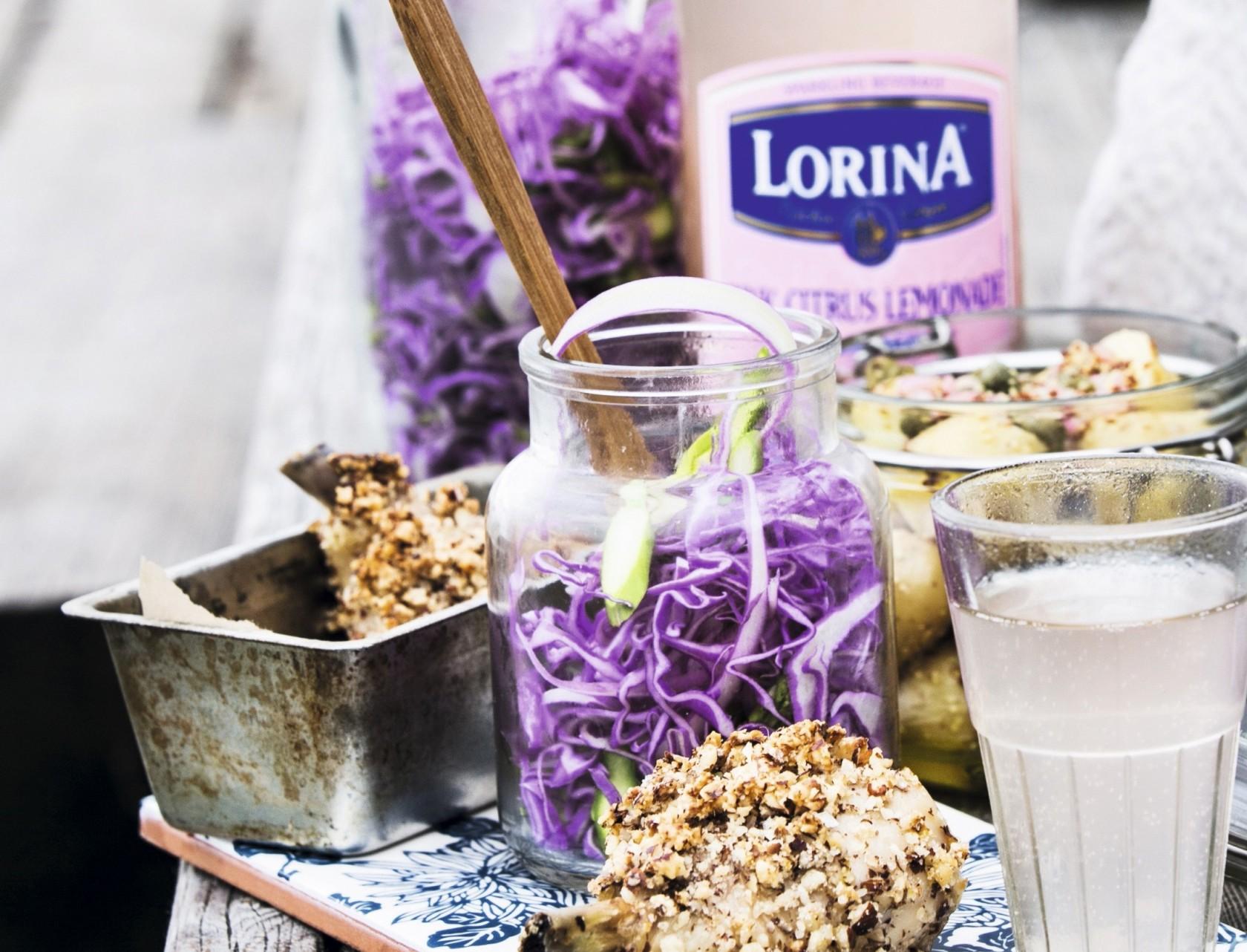 Skøn spidskålssalat med asparges og en god dressing