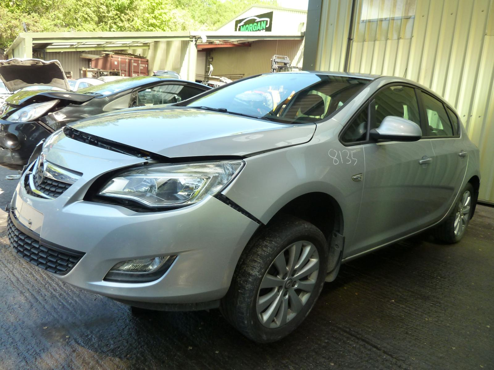 Image for a VAUXHALL ASTRA 2010 5 Door Hatchback