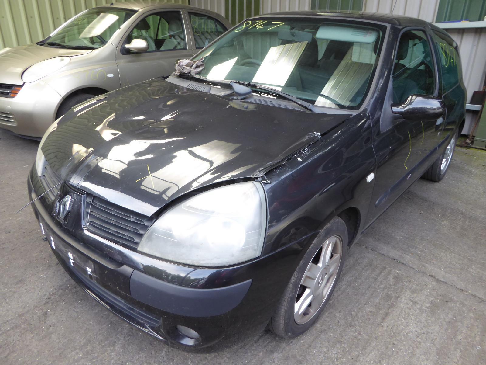 Image for a RENAULT CLIO 2005 3 Door Hatchback