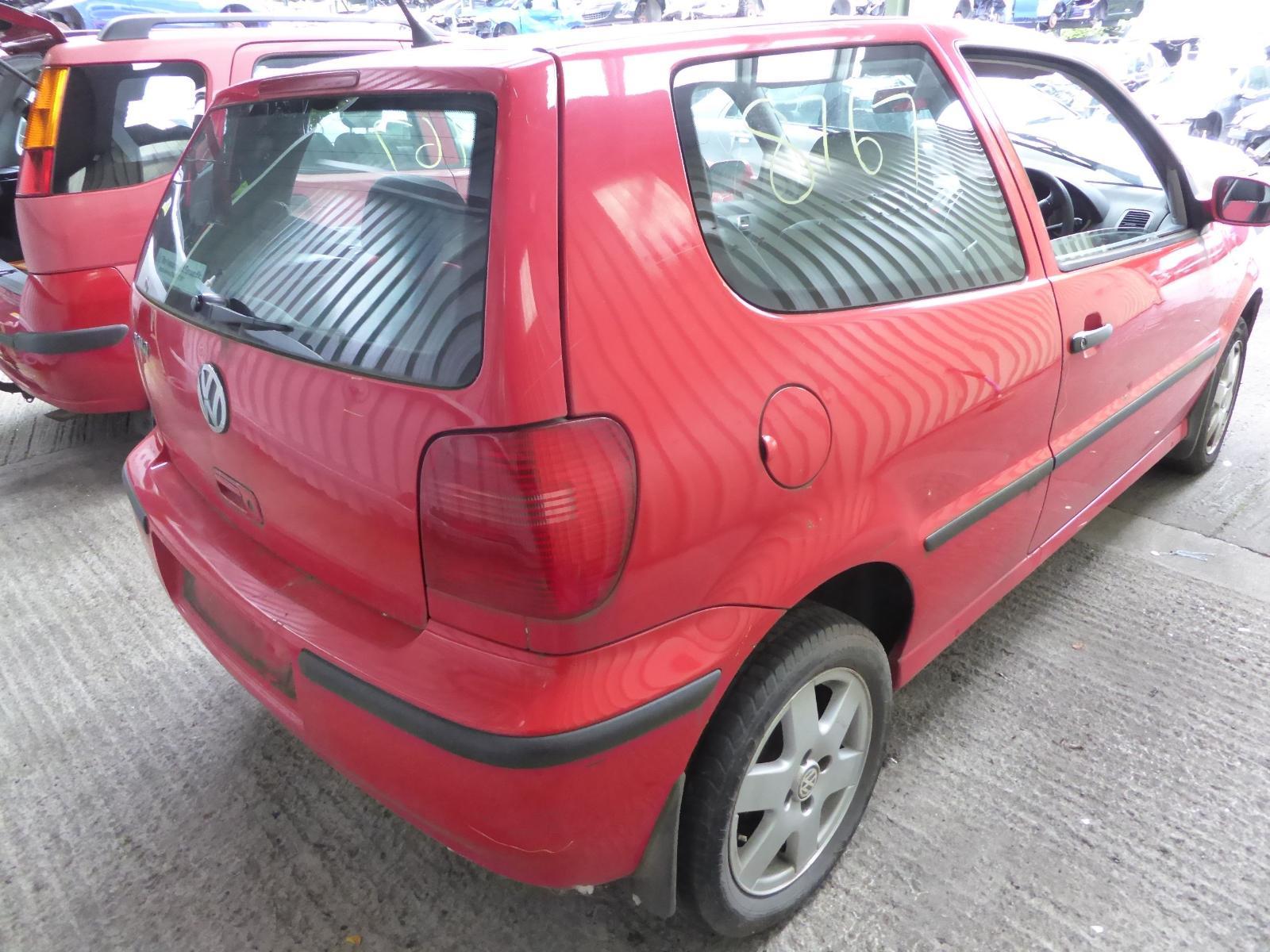 View VOLKSWAGEN POLO 2000 3 Door Hatchback