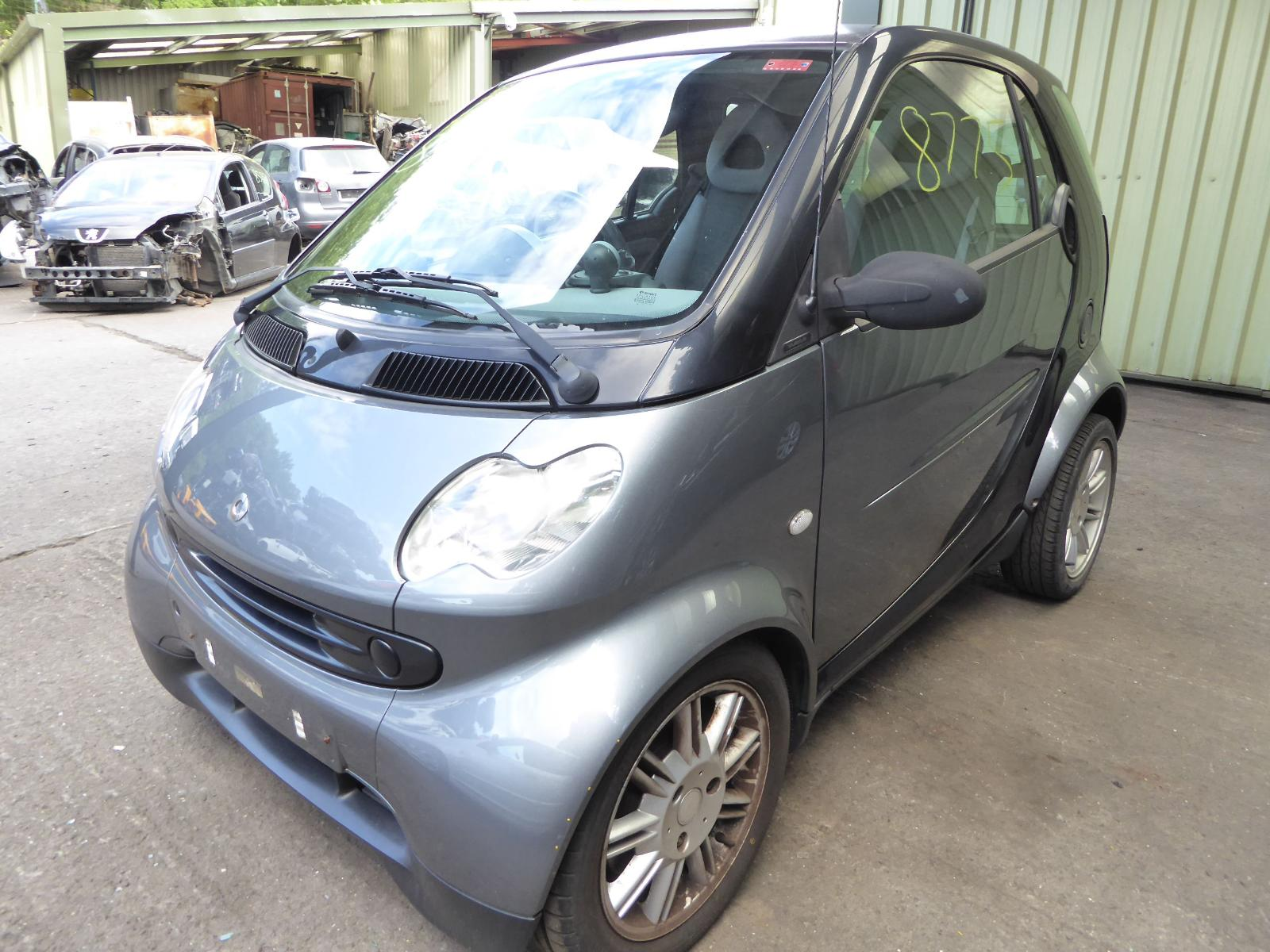 Image for a SMART FORTWO; SMARTCAR 2005 2 Door Coupe