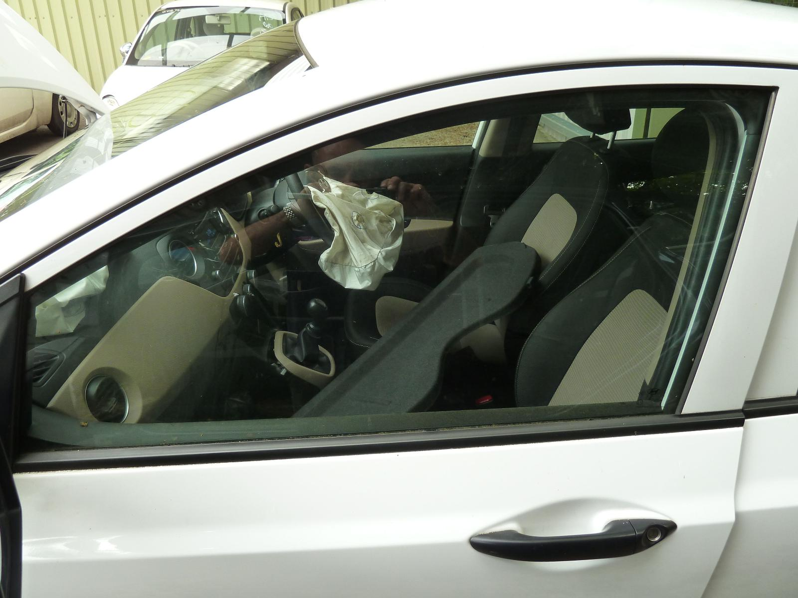 View Auto part LF Door Window HYUNDAI I10 2016