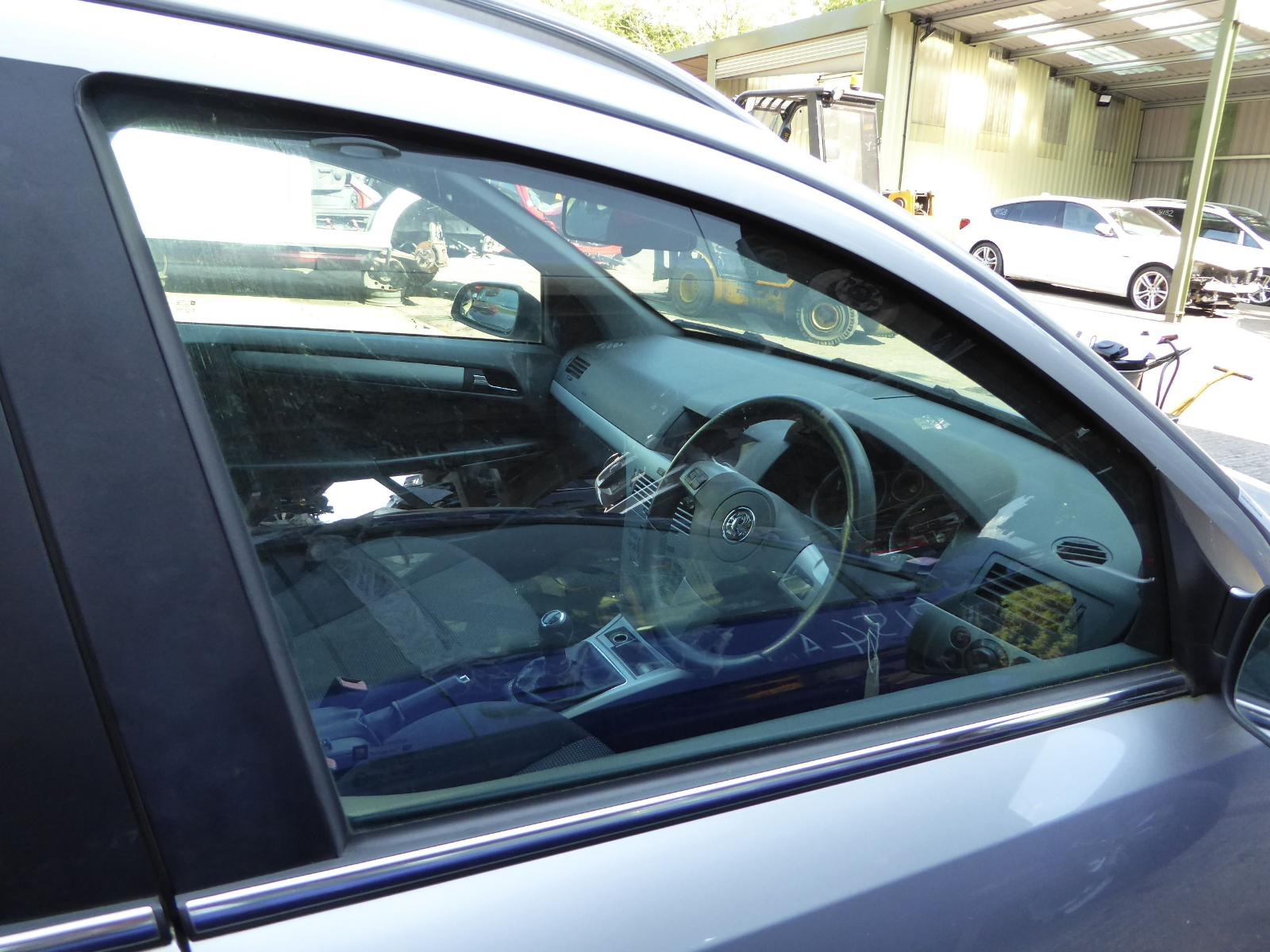 View Auto part RF Door Window VAUXHALL ASTRA 2008