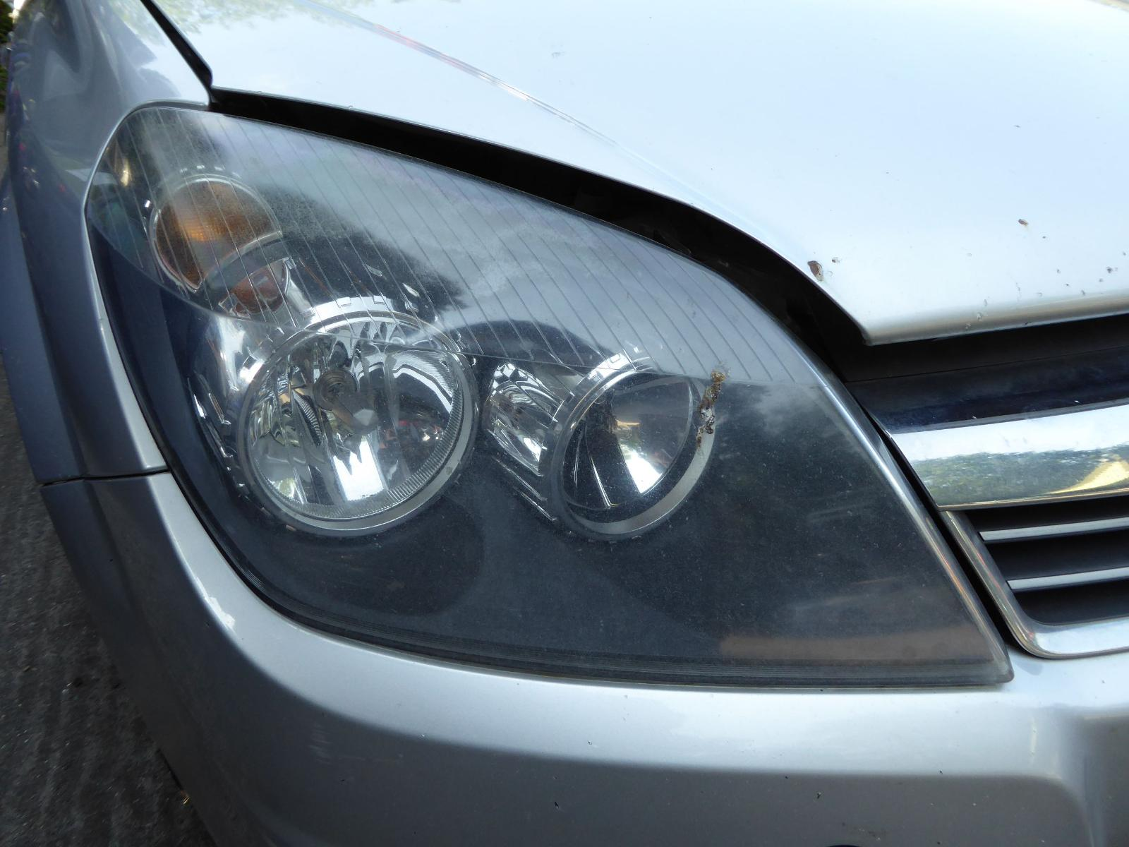View Auto part R Headlamp VAUXHALL ASTRA 2008