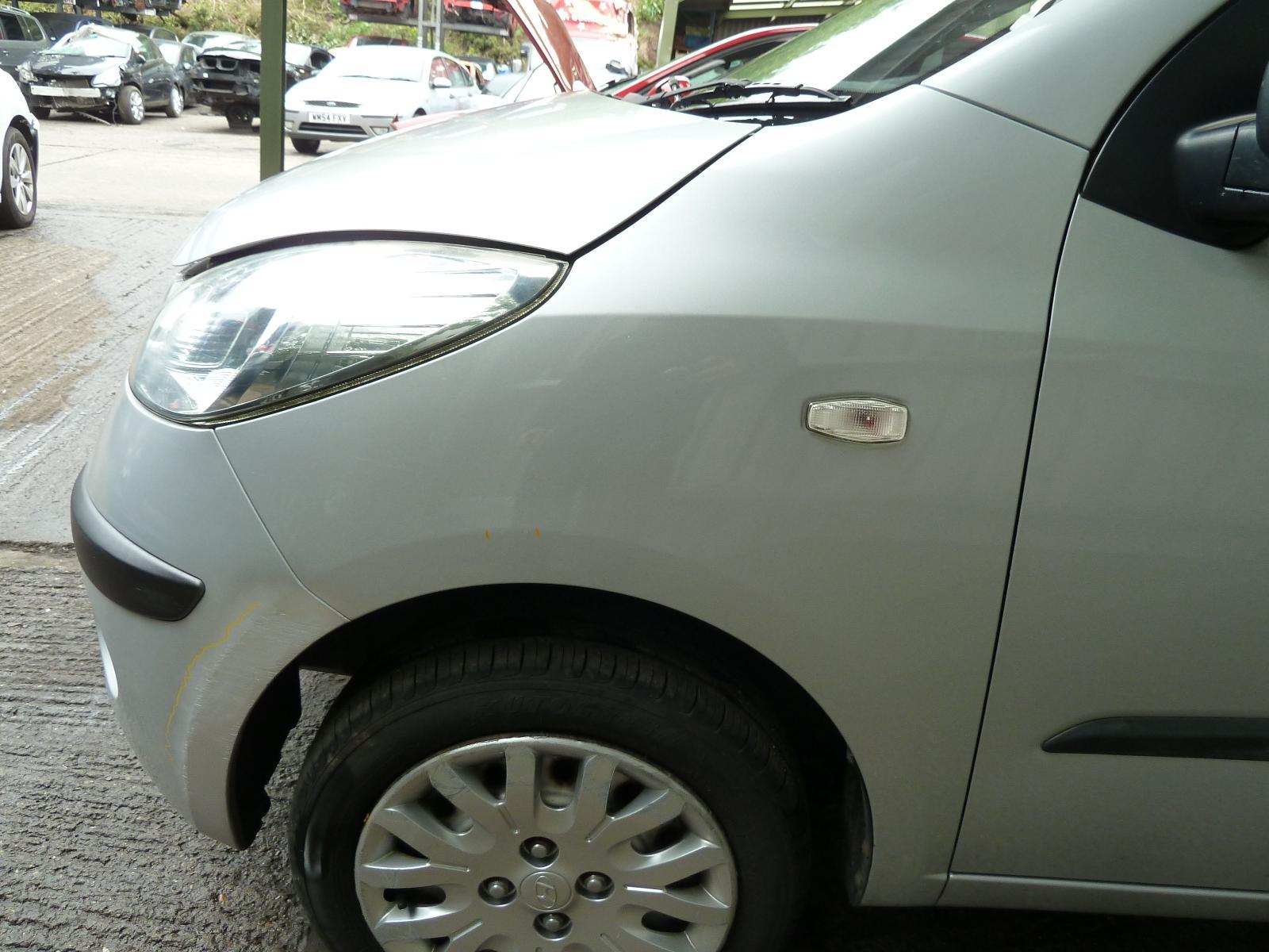 View Auto part L Wing HYUNDAI I10 2009