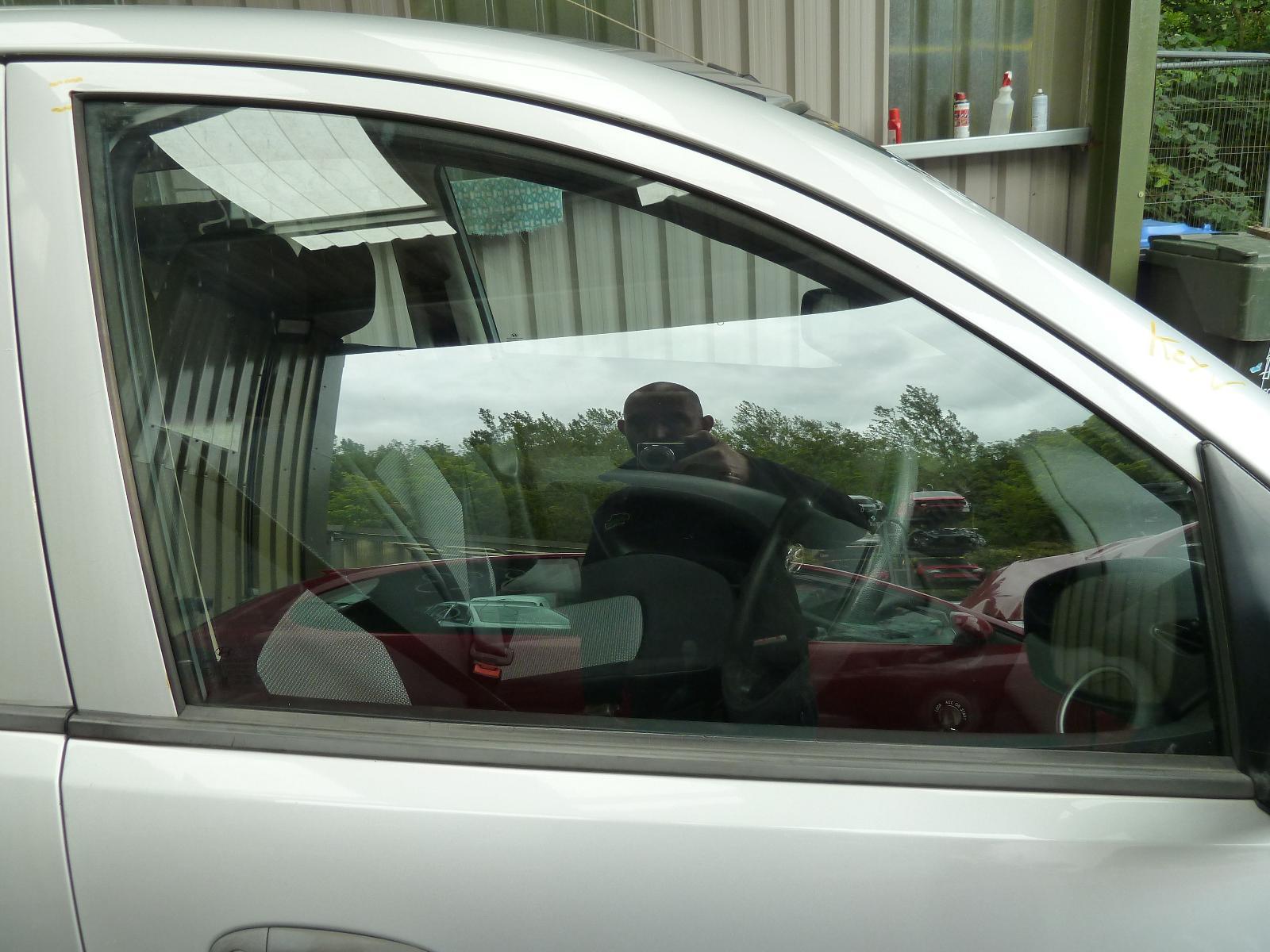View Auto part RF Door Window HYUNDAI I10 2009