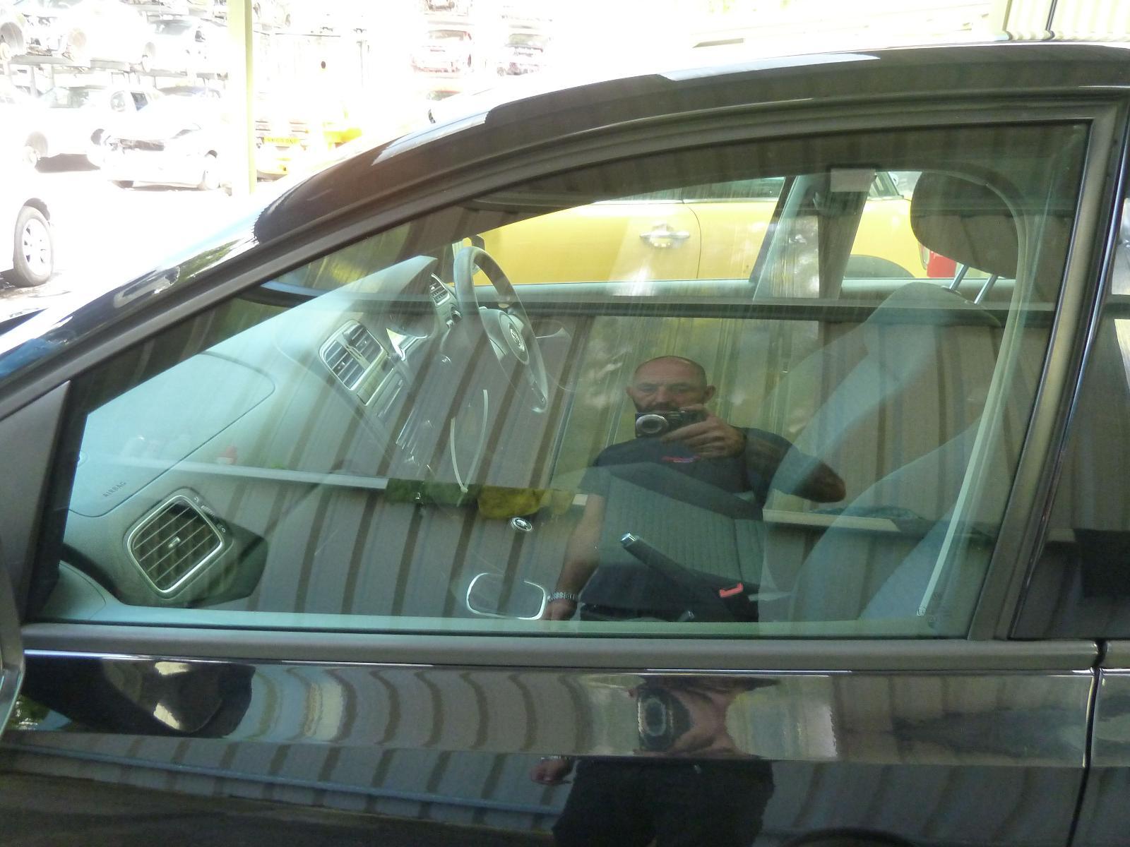 View Auto part LF Door Window VOLKSWAGEN POLO 2010