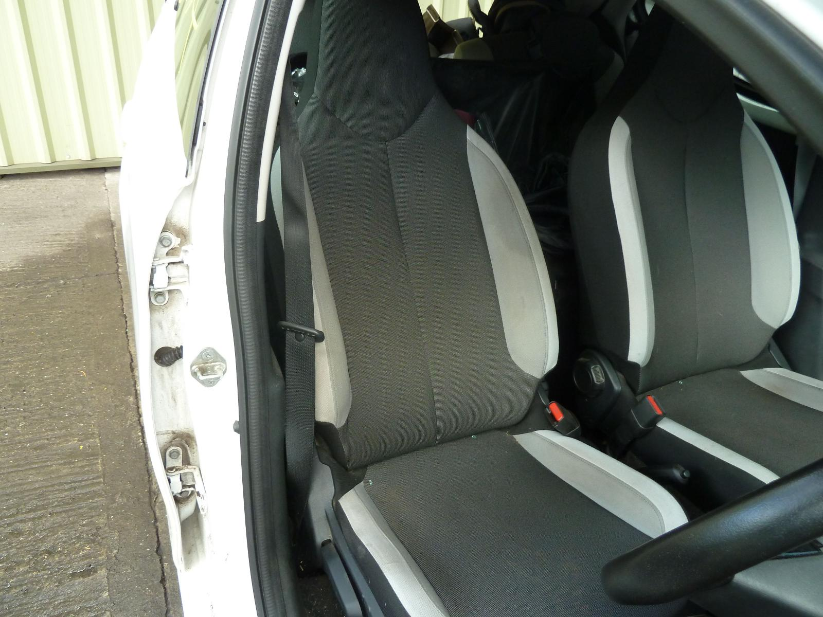 View Auto part Front Seat TOYOTA AYGO 2015