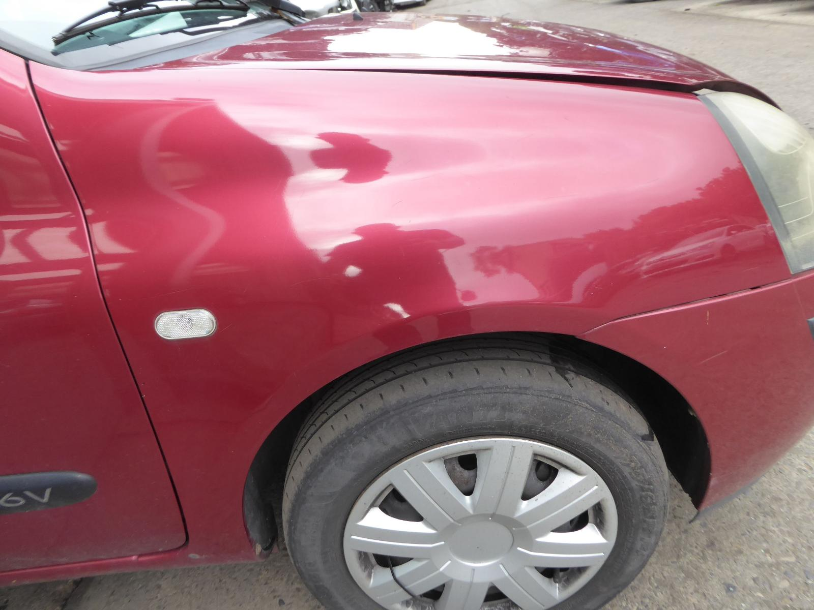 View Auto part R Wing RENAULT CLIO 2003