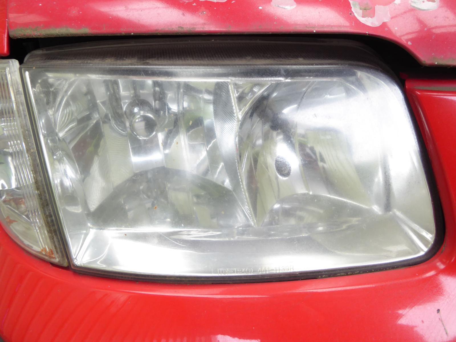 View Auto part R Headlamp VOLKSWAGEN POLO 2000