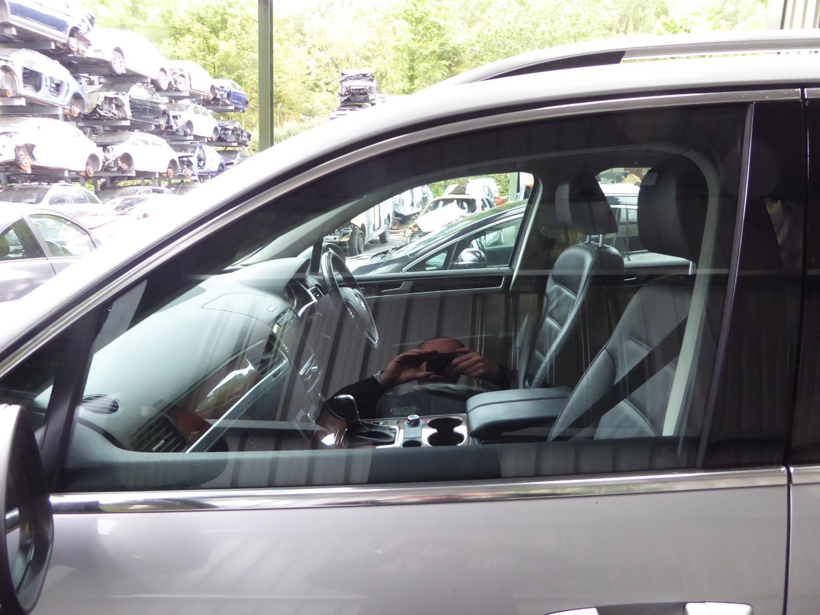 View Auto part LF Door Window VOLKSWAGEN TOUAREG 2012