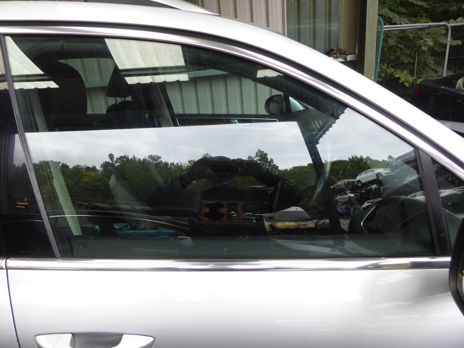 View Auto part RF Door Window VOLKSWAGEN TOUAREG 2012
