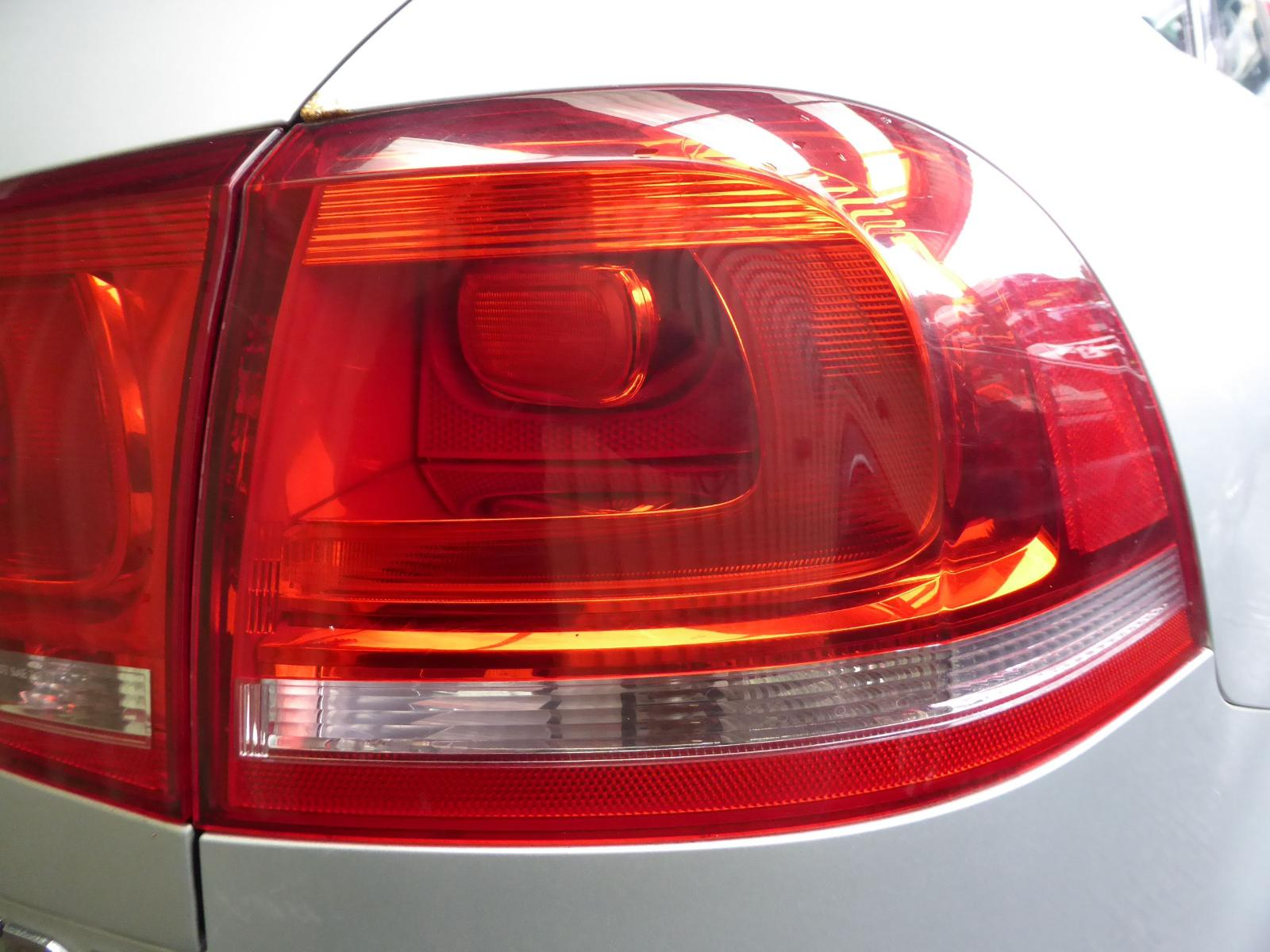 View Auto part R Taillight VOLKSWAGEN TOUAREG 2012