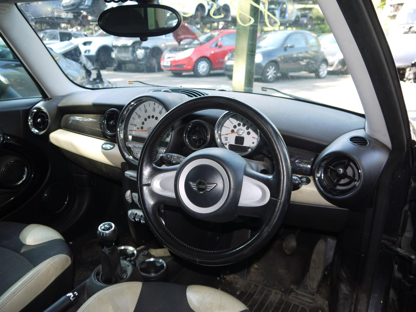 View Auto part Glove Box MINI (BMW) MINI 2007