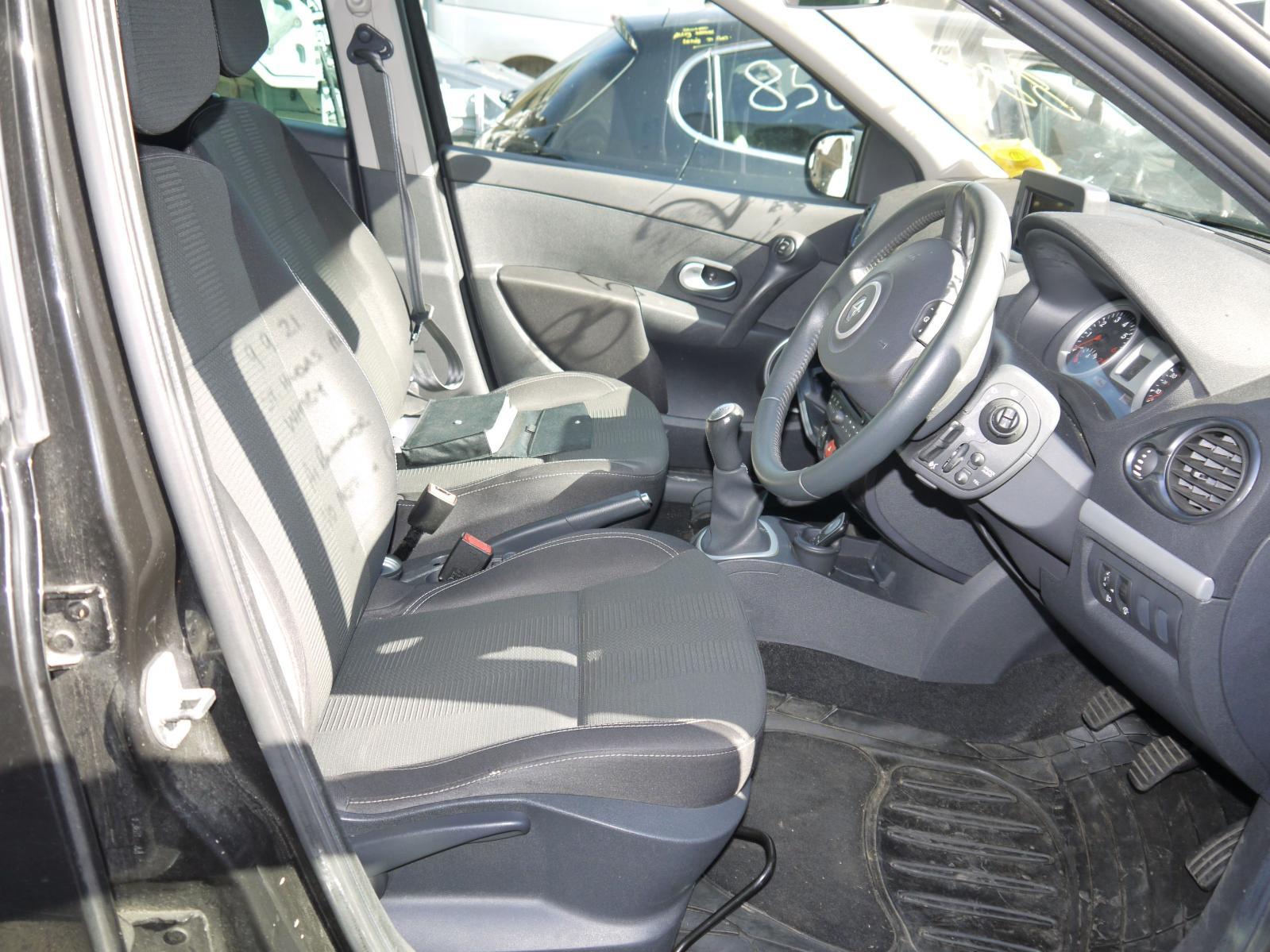 View Auto part Seat Belt RENAULT CLIO 2010