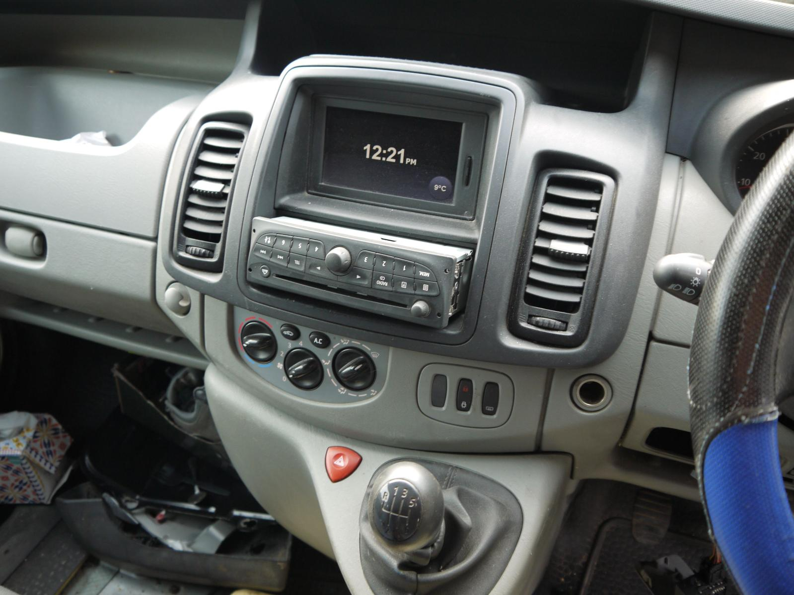 View Auto part A/V Equipment RENAULT TRAFIC 2011