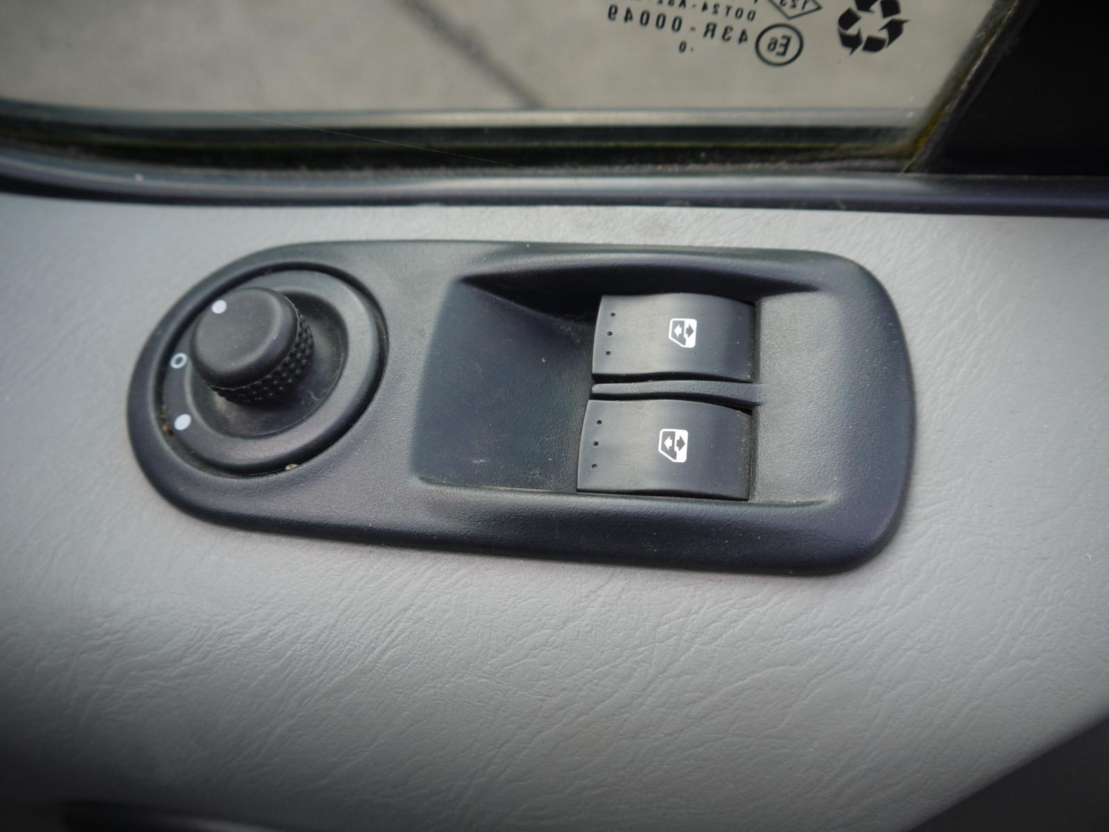 View Auto part Elect. Window Switch RENAULT TRAFIC 2011