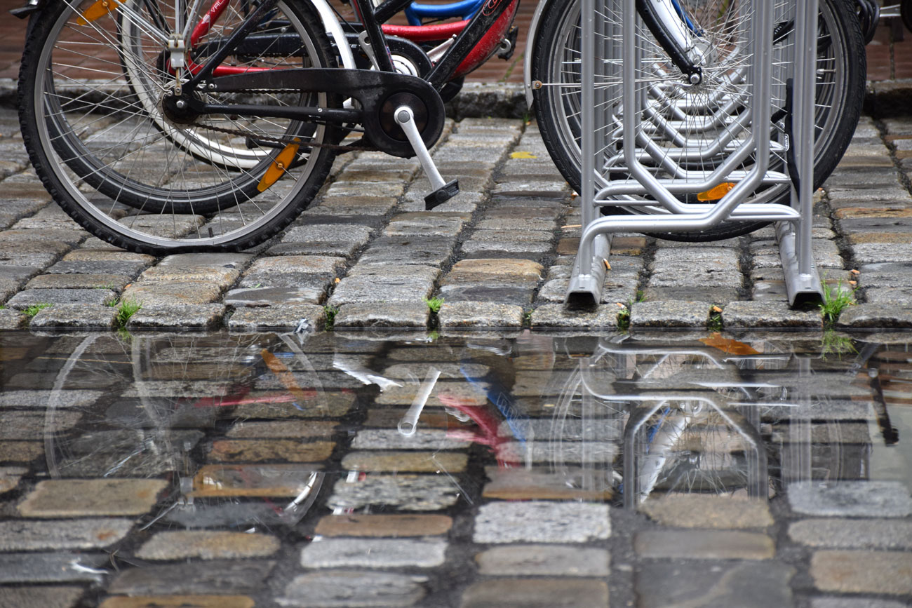 Cyklar i regnet
