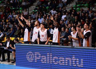 Virtus Roma panchina esultanza Acqua S.Bernardo Cantu - Virtus Roma Legabasket Serie A 2019-2020 Cantu 10 novembre 2019 Foto Ciamillo