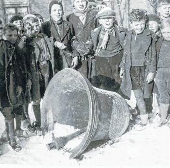 Kinderen bij de klok