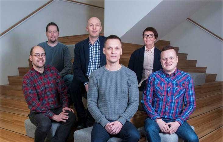 Tekijä pitkä matematiikka -sarjan tekijäryhmä koostuu kuuden ammattilaisen joukosta!