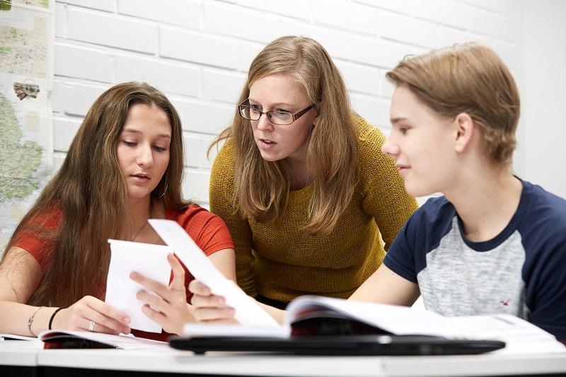 Sanoma Pro yläkoulun äidinkielen sarja Tekstitaituri