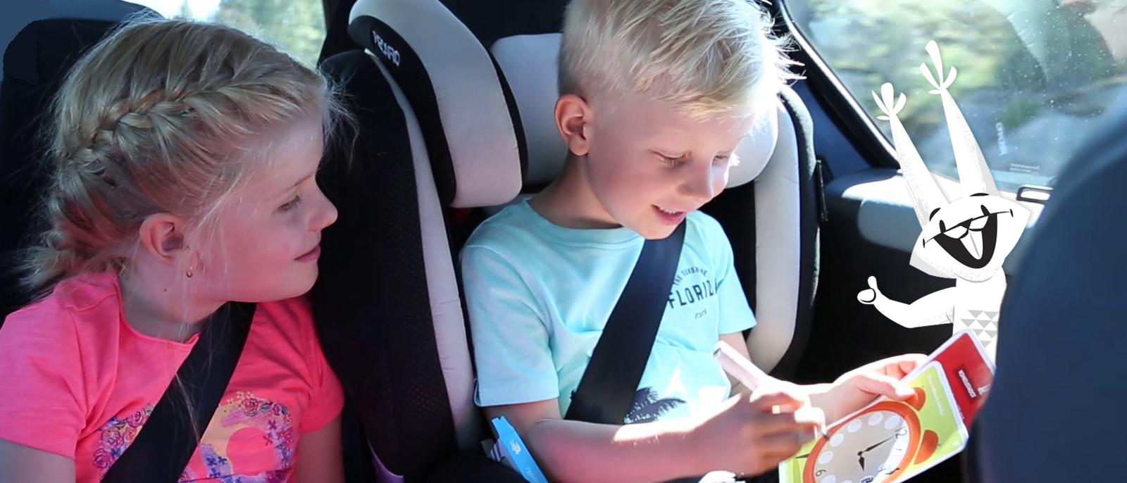 Kehittävät ja viihdyttävät Oppi&ilo-puuhakortit sopivat moneen tilanteeseen.