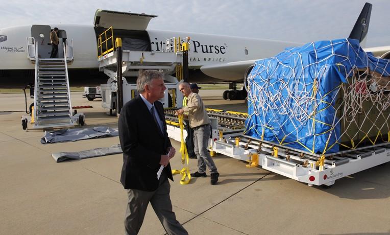 Samaritan's Purse Airlifts Field Hospital to Ecuador